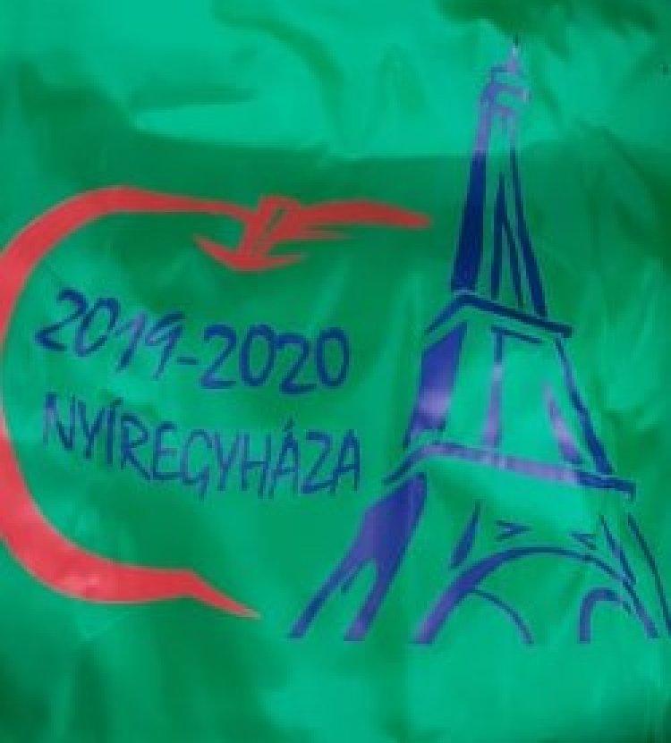 Átvették jutalmukat az Országos Francia Nyelvi Tanulmányi Verseny döntőjébe jutott diákok