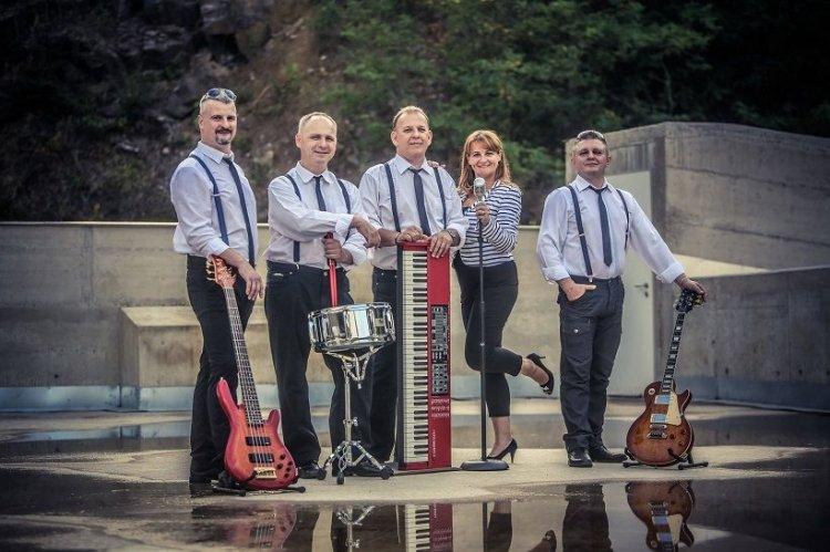 A Polip Band és vendégeinek retrokoncertje a Városmajori Művelődési Házban