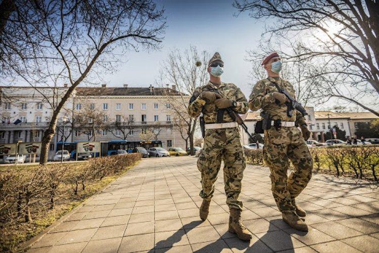 Benkő Tibor: a honvédség sikeresen helytállt a járvány elleni küzdelemben