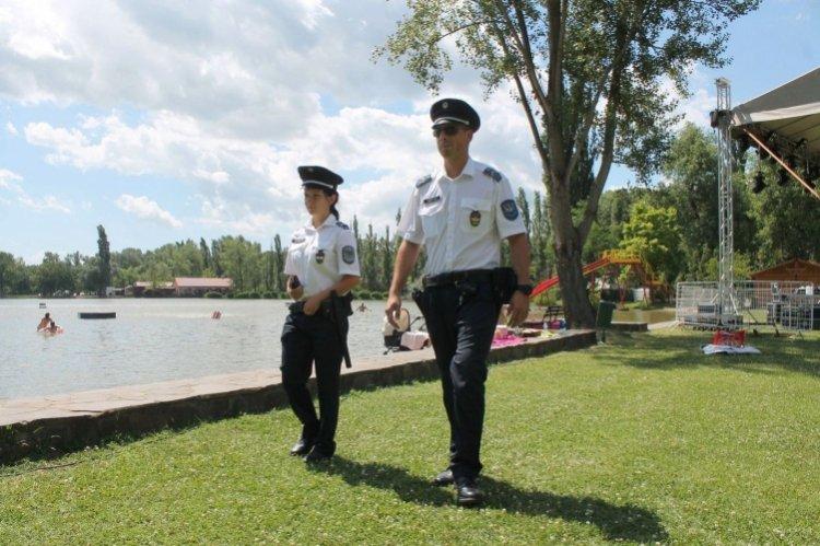 Hasznos tanácsok a biztonságos strandoláshoz a Megyei Rendőr-főkapitányságtól