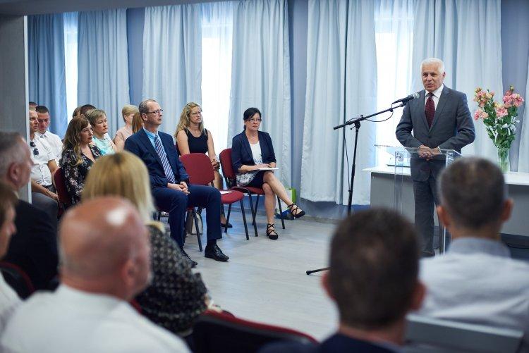 Tisztes helytállás a járvány alatt: elismerték a polgármesteri hivatal és a cégek munkáját