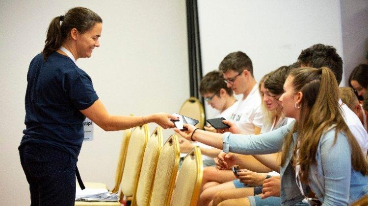 Novák: A legjobb diákoknak ad esélyt a Stipendium Peregrinum ösztöndíj