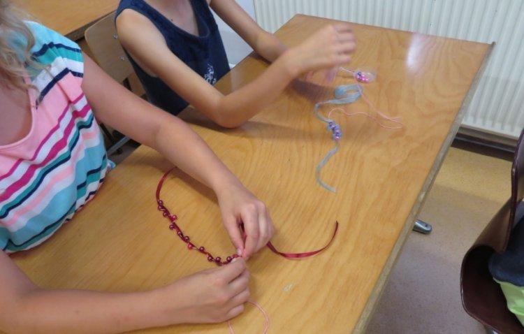 Kézműves játszóház várja a gyerekeket a szünidőben Butykán és Mandabokorban
