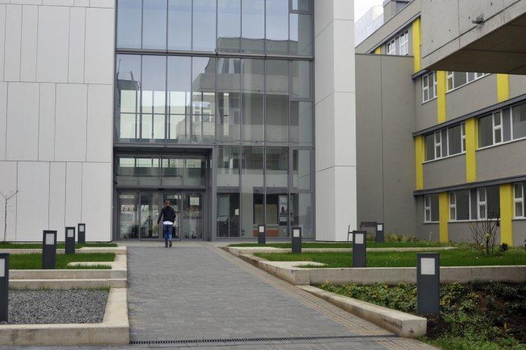 Részleges látogatási tilalom a Jósa András Oktatókórházban – Ezeket az osztályokat érinti