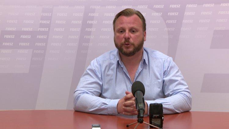Fidesz: a véleménynyilvánítást korlátozza az ellenzék a konzultációs ívek begyűjtésével