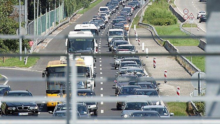 Torlódás alakult ki az M7-es autópályán  Horvátország felé