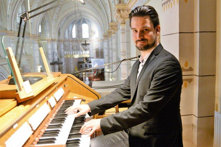Hangversenyt adott Mészáros Zsolt Máté orgonaművész Nyíregyházán