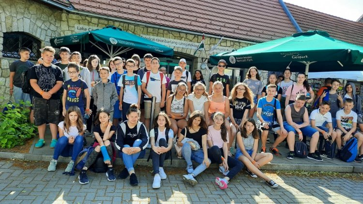 Június 29-től a Zelk és a Szőlőskerti Iskola tanulói vették birtokba a Szigligeti tábort