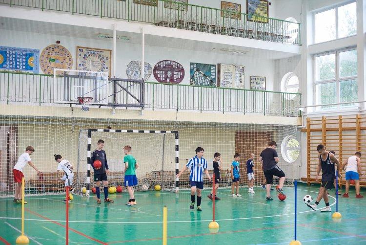 Focitábor – Ismét bevették a focipalánták Nyírszőlőst, mint már 5 éve minden nyáron
