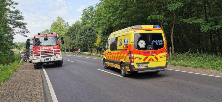 Súlyos baleset történt Székely külterületén – Frontálisan ütközött két személygépkocsi