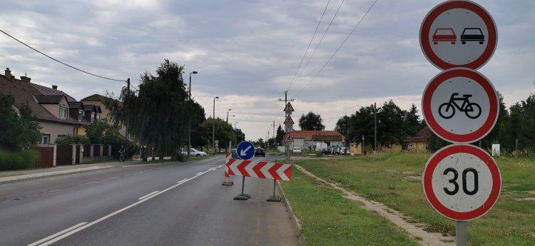 Közmű-helyreállítási munkálatok végeznek a Kállói úton, fokozott figyelemmel közlekedjenek