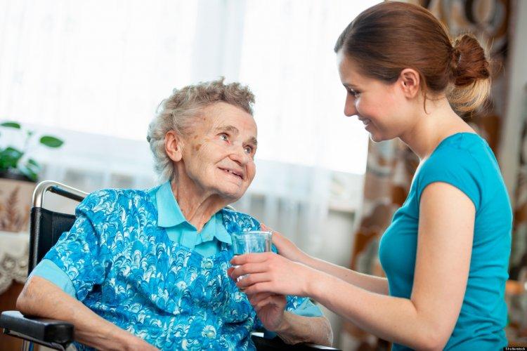 Nagymama- és dédiszitter szolgáltatás – Egyedülálló segítség Nyíregyházán