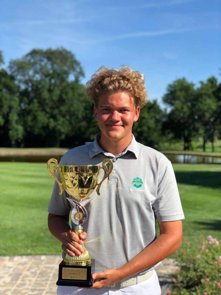 Ranglistagyőzelem összetettben- Závaczki Bálint nyerte a golfversenyt