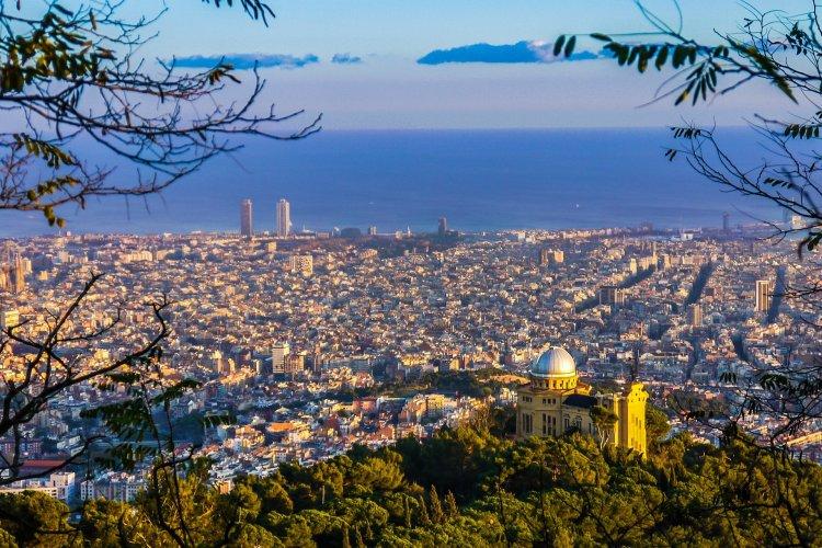 A koronavírus-fertőzés miatt zöldből sárga besorolású lett Spanyolország