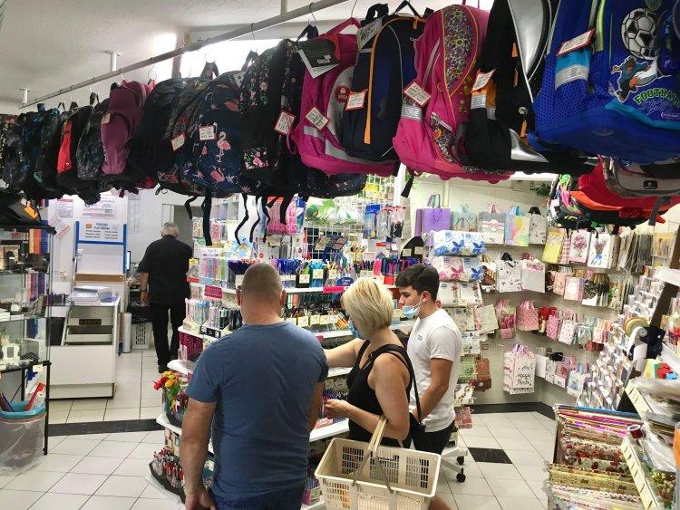Elkezdődött a tanszervásár – A papír-írószer boltokban is visszaesett a forgalom