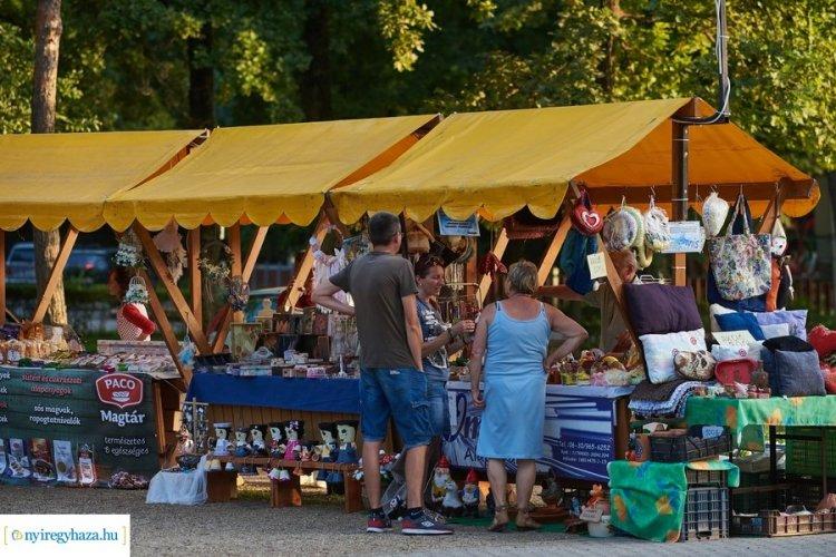 Pillanatképek a Sóstói Piacról - Közkedvelt a turisták és a nyíregyháziak körében is