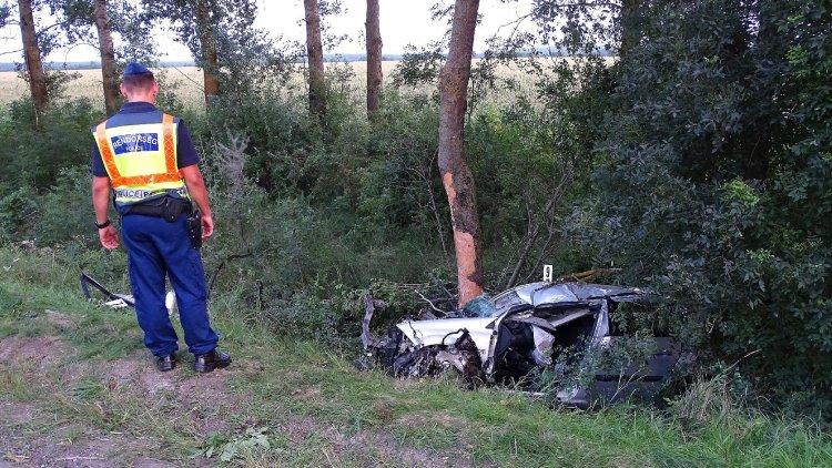 A hétvégén kétóránként történt egy súlyos baleset az utakon
