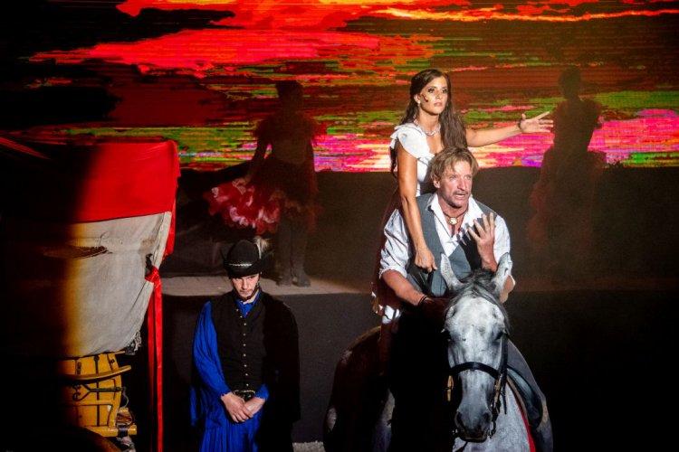 Nyíregyházán először a Nemzeti Lovas Színház, Pintér Tiborral a Timpex Arénában!