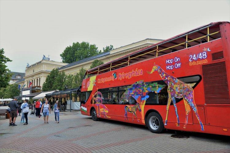 Már közlekedik a városnéző autóbusz