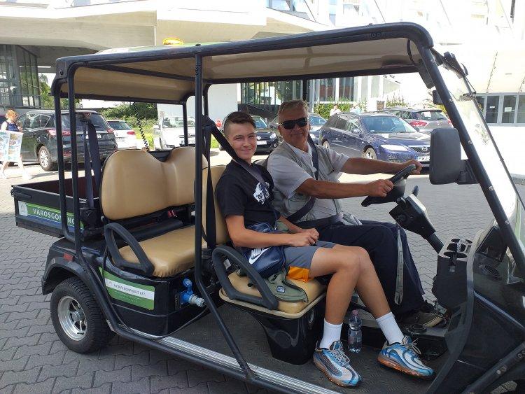 Így tölti a vakációját! A Városgondnok nyomdokaiba lépne a 14 éves teniszező fiú