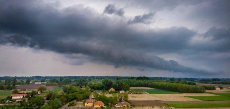 Hőségre, zivatarokra és felhőszakadásra adott ki figyelmeztetést az OMSZ