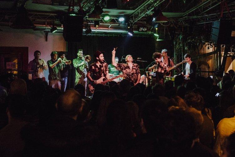 Táncra fel! Kelet-Közép-Európa egyetlen cumbia zenekara érkezik Nyíregyházára!