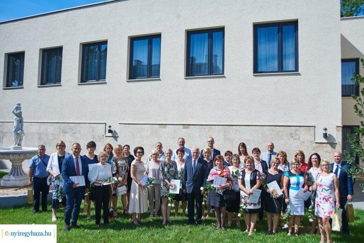 Emlékplaketteket adtak át a nyíregyházi Semmelweis Napi ünnepségen