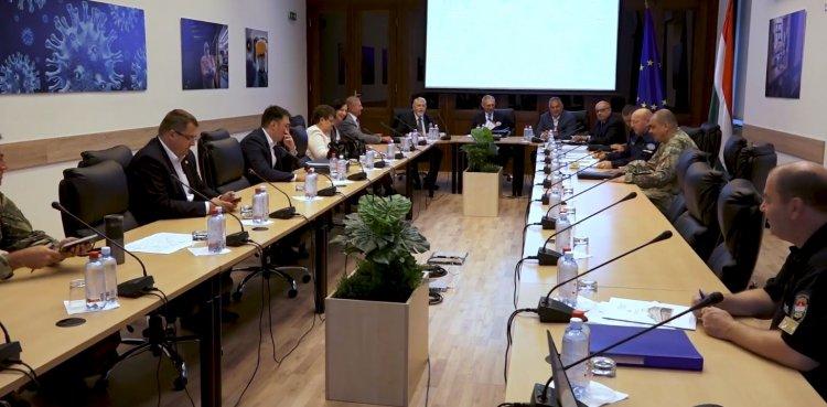Orbán Viktor: szigorú határvédelmi intézkedéseket rendeltünk el