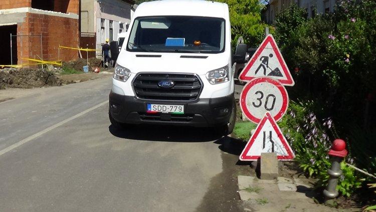 Munkálatok a Géza utcán – Útszűkületre és sebességkorlátozásra kell számítani