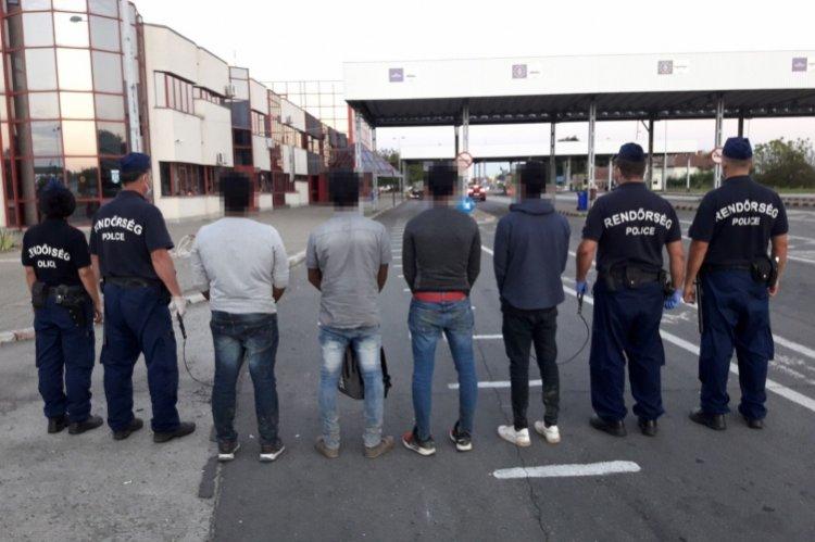 Átadták a rendőrök a Srí Lanka-i határsértőket a román határőrizeti szerv munkatársainak