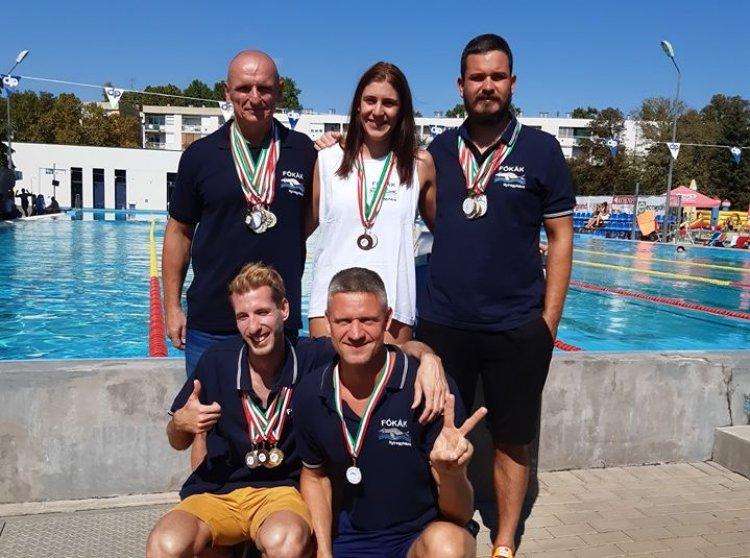Csongrádon a Fókák - Több éremmel tértek haza a szenior úszók a versenyről