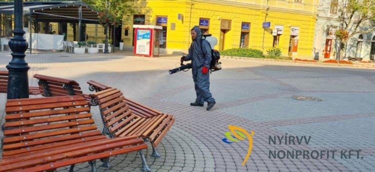 Fertőtleníti a NYÍRVV Nonprofit Kft. a játszótereket, utcabútorokat városszerte