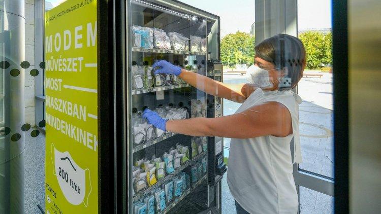 Egy jól viselt maszk valóban megelőzheti a koronavírus terjedését