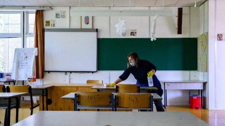 A járási hivatalok ellenőrzik az iskolákban a járványügyi szabályok betartását
