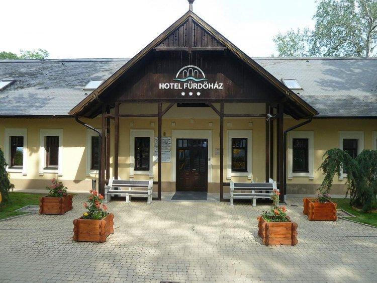 Október 1-jétől szünetel a Júlia Fürdő gyógyászati tevékenysége és bezár a sóstói Fürdőház