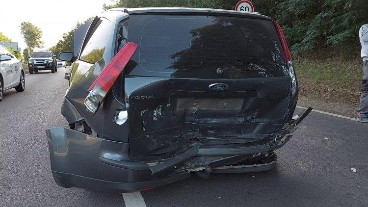 Két személygépkocsi ütközött össze Kőlaposnál péntek reggel