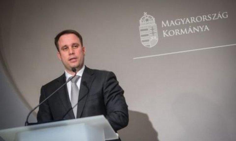 Dömötör Csaba: a kormány új tájékoztató filmeket jelentet meg