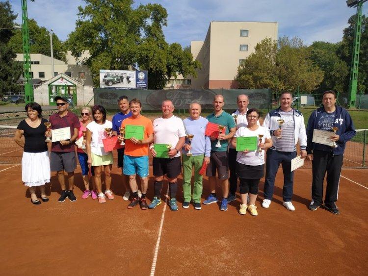 Jeszi Emléktorna - Ezúttal is tenisszel emlékeztek a sportemberre