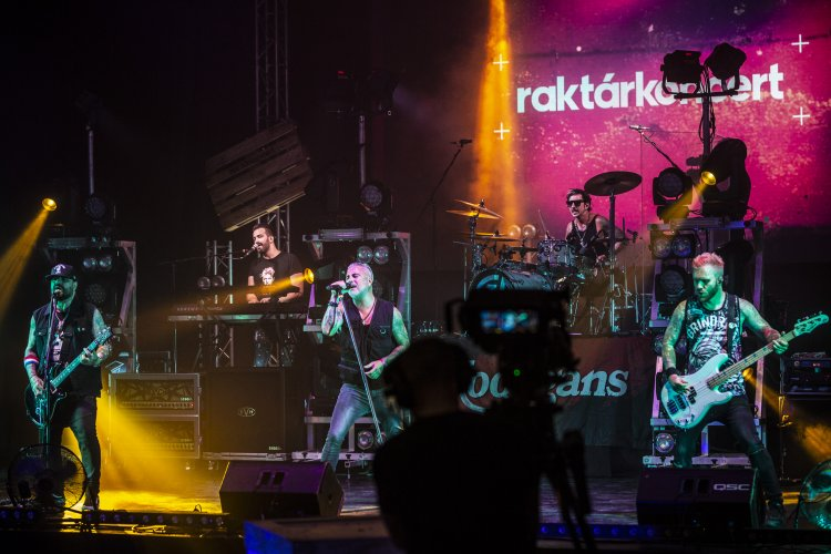 Koncertélmény otthon – Raktárkoncert a könnyűzenei ipar támogatására