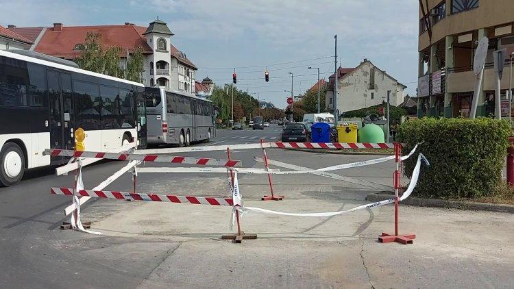 Helyreállítási munkálatokat végez a Nyírségvíz az autóbusz-pályaudvar közelében