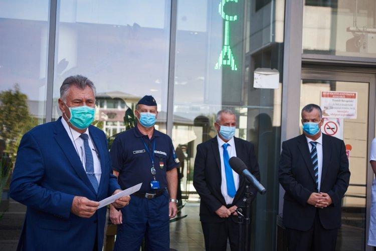 Új lélegeztető- és altatógépek érkeztek a kórházba – Néhány átalakítás is szükségessé vált