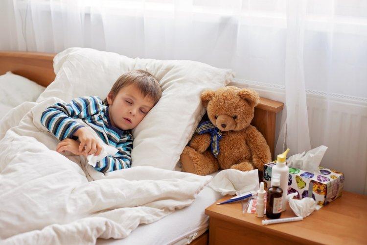 Betegségek gyerekeknél – A COVID-gyanús esetekben a gyerekek 10 napig maradnak otthon