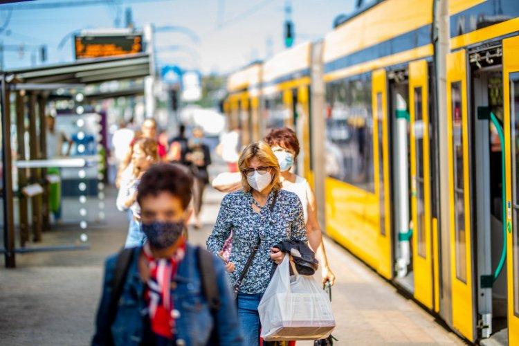Szlávik: nem igaz, hogy a maszk nem véd a fertőzés ellen