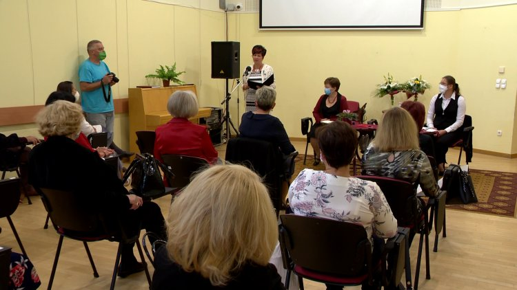 Könyvtárosok világnapja – Csendes János-díj és Könyvtári Kultúráért kitüntetés