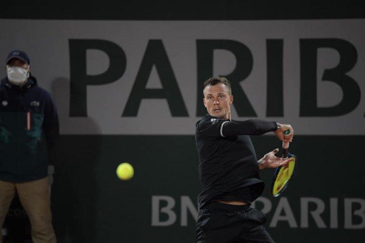 Újabb győzelem - Fucsovics Márton spanyol ellenfelét is legyőzte Párizsban