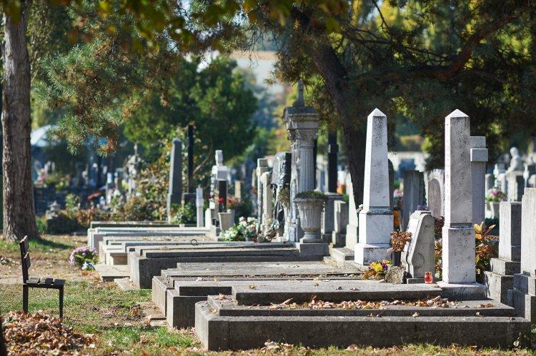 A temetők fejlesztései mindenszentekig befejeződnek - Lakossági igények alapján