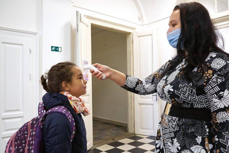 Járványügyi szabályok az iskolákban – A Túróczyban online térbe költözik a nyílt nap