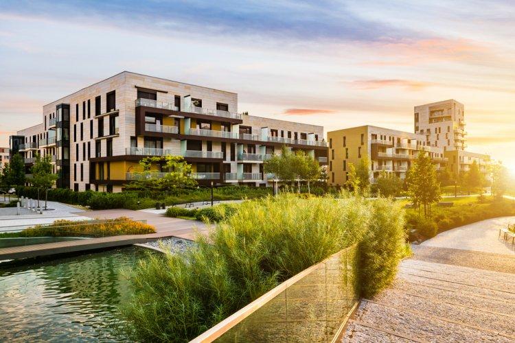 Elmaradt a nagy áresés az ingatlanpiacon - Sokat segíthet az ötszázalékos áfa