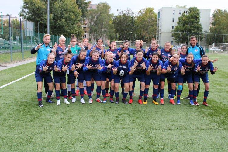 Történelmi siker - A legjobb nyolc között a Szpari női labdarúgó együttese
