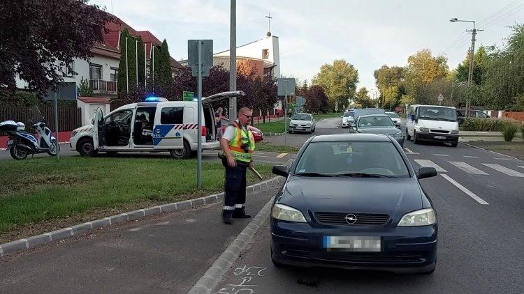 24 órán belül két baleset is történt a Korányi Frigyes utcán, a zebránál